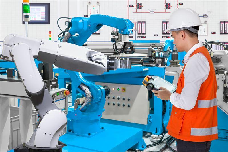 robot a praca człowieka